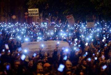 Protesty przeciwko opodatkowenej sieci