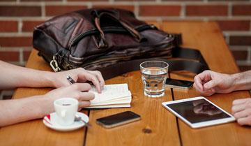 Polacy najczęściej kupują mobilnie elektronikę, odzież i obuwie